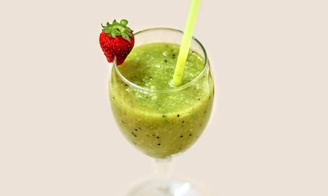 Strawberry Green Smoothie For First-Timers