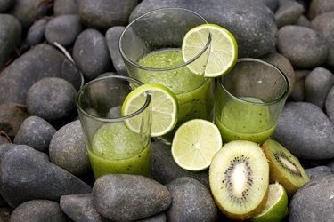 kiwi lime mint smoothie