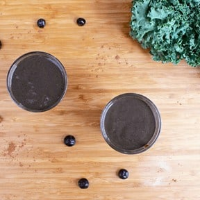 chocolate blueberry kale smoothie