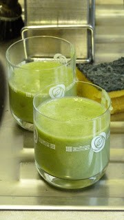 Jack be Nimble, Jack be Quick: Simple Wheatgrass Smoothie